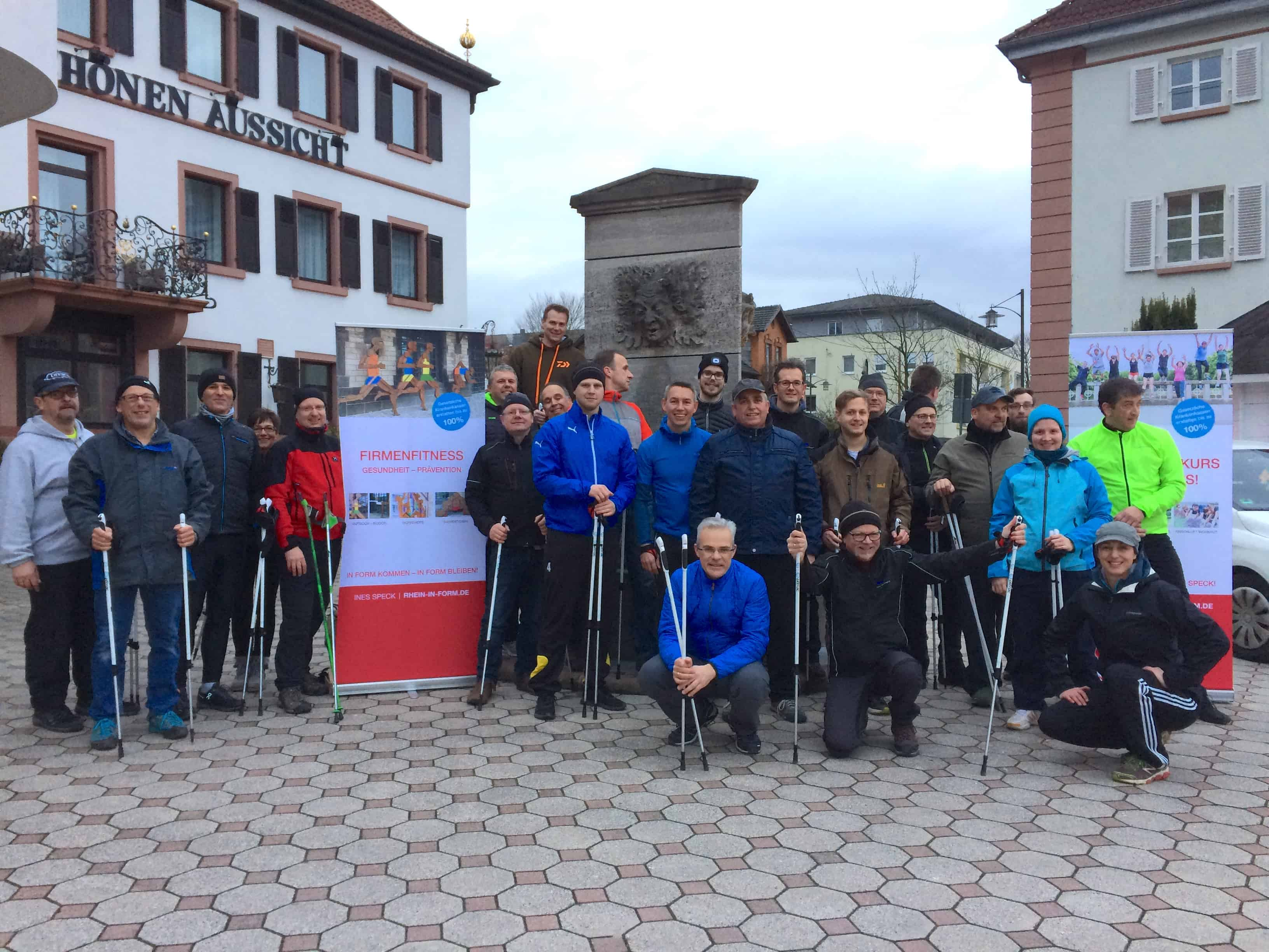 Nordic Walking als Teamevent der Lenze Gruppe